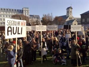 Η επανάσταση της Ισλανδίας που κρύβουν τα ΜΜΕ